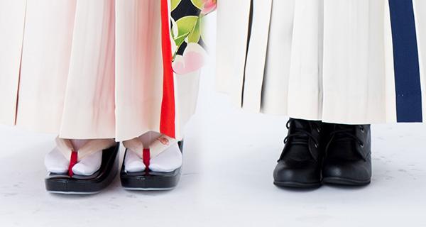 草履かブーツで袴の丈の長さが変わります。